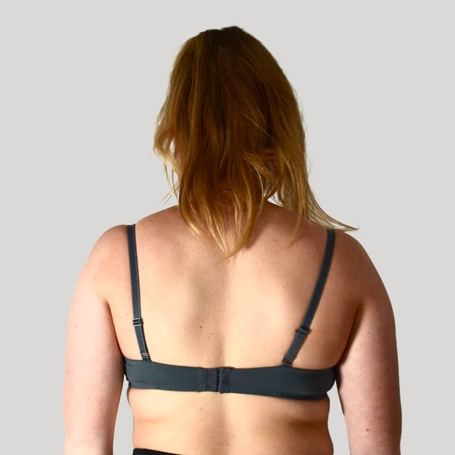 Model Wearing Underwire Bra - Lite Support - Signature Print in Pewter Rose Back